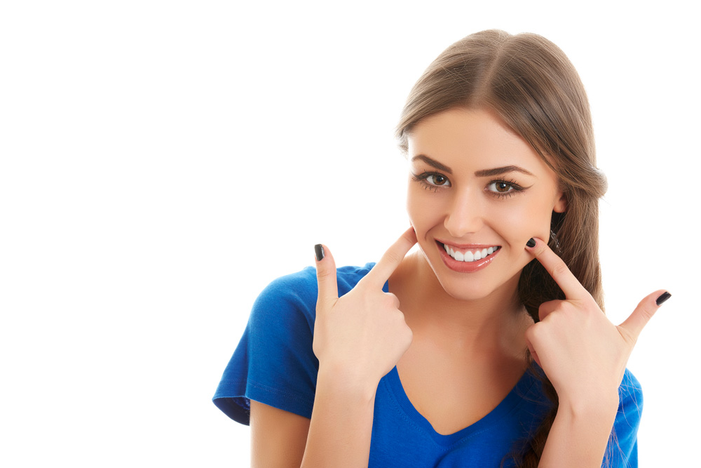 What are the benefits of seeing a cosmetic dentist in North Palm Beach?