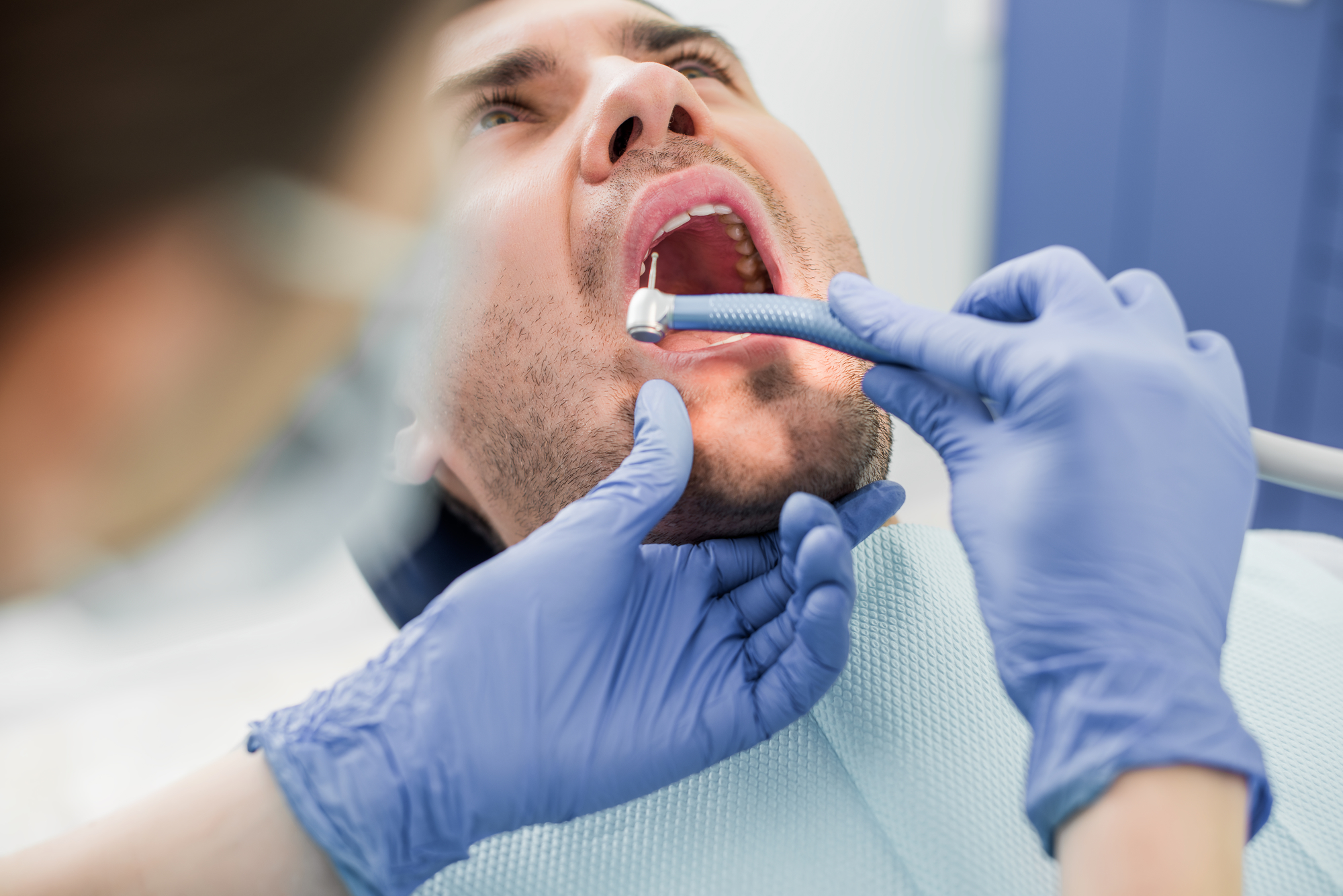 where is the best same day dentist 33401?